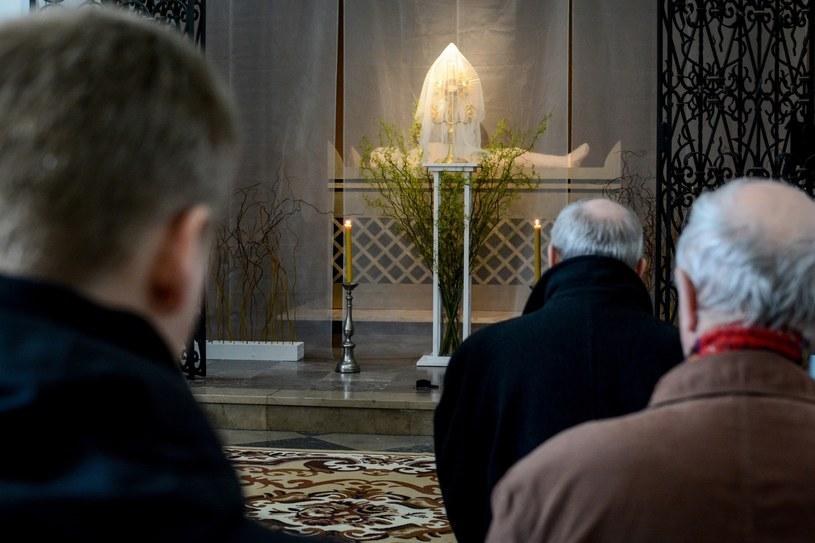 Ubiegłoroczny Grób Pański w kościele św. Jacka w Warszawie /Mariusz Gaczyński /East News