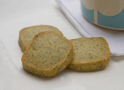 Ubij mąkę, herbatę oraz sól w małej misce, a następnie odłóż na bok /materiały prasowe /materiały prasowe