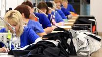 Ubrania robocze z butelek to nowy trend w produkcji odzieży
