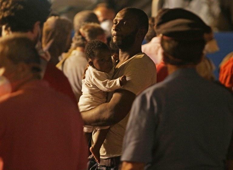 Uchodźcy w Palermo, na Sycylii /MARCELLO PATERNOSTRO / AFP /AFP