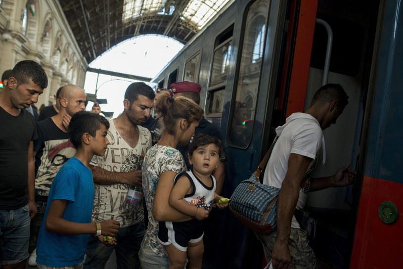 Uchodźcy, zdj. ilustracyjne /BEA KALLOS    /PAP/EPA