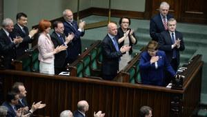 Uchwała, która wywołała burzę w Sejmie. Co tak naprawdę w niej jest?