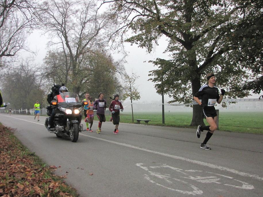 Uczestnicy krakowskiego biegu /Jacek Skóra /RMF FM