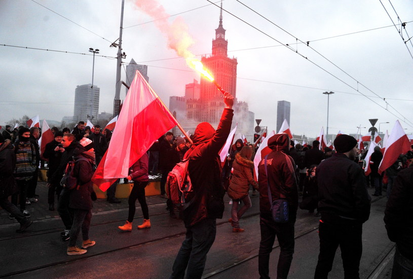 """Uczestnicy """"Marszu Niepodległości"""" /Marcin Obara /PAP"""