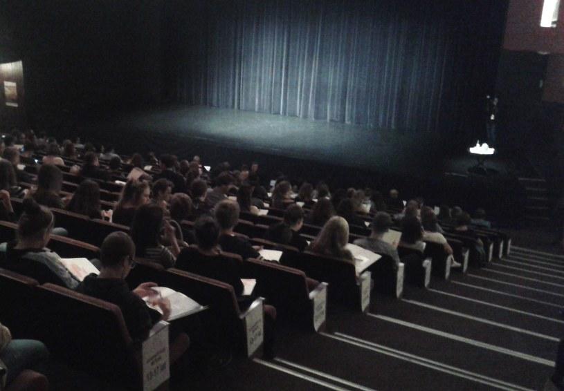 Uczestnicy na kilka minut przed rozpoczęciem Wielkiego Testu z Języka Angielskiego /INTERIA.PL