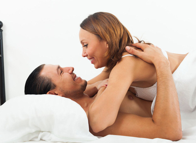 Udane życie intymne to ważna część każdego związku /©123RF/PICSEL