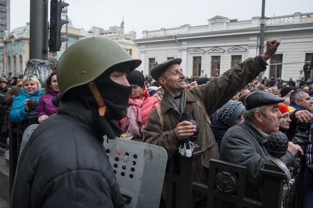 UE apeluje do Ukrainy o utrzymanie integralności i jedności kraju /ALEXEY FURMAN /PAP/EPA