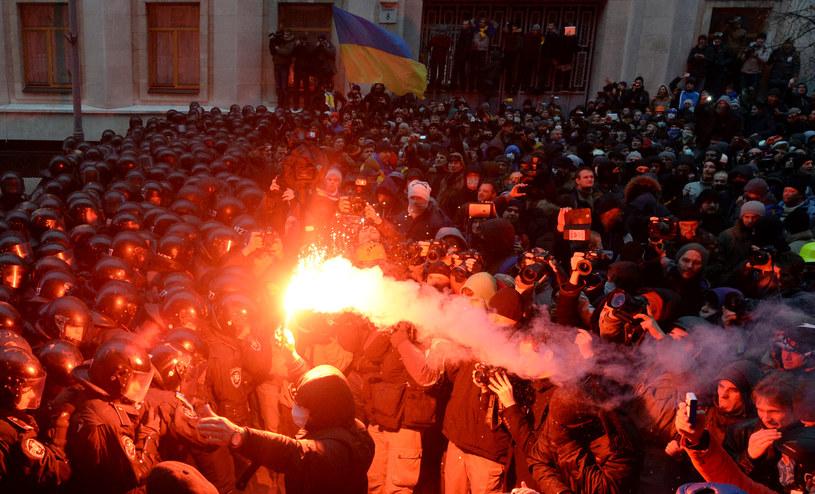 UE wzywa strony wydarzeń na Ukrainie do umiaru /AFP