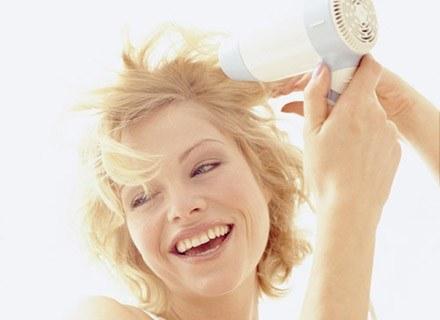 Układanie włosów bywa sztuką /INTERIA.PL