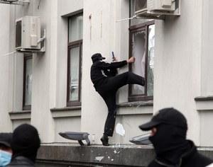 Ukraina: Szturm na siedzibę władz w Ługańsku