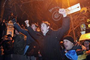 """""""Ukrainie grozi rozłam"""". Opozycja wzywa do pozostania na ulicach"""