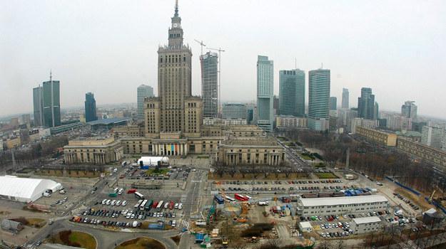 """""""Ukrainki"""" to historia czterech dziewczyn, które w Polsce chcą rozpocząć nowe życie. /Tom Dulat /Getty Images"""