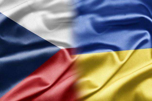 Ukraińscy pracownicy wjeżdżają do Czech przez Polskę... /123RF/PICSEL