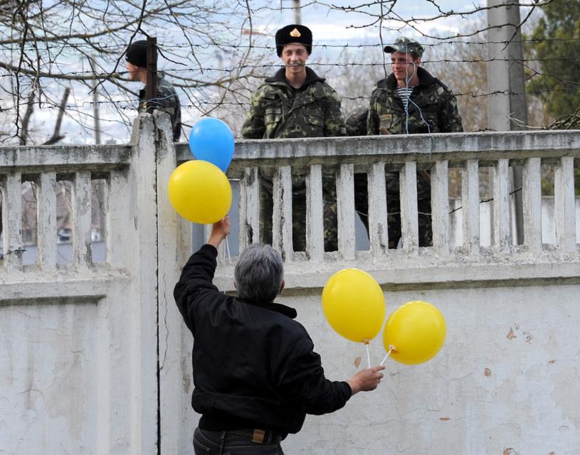 Ukraińscy żołnierze w bazie w Bakczysaraju /VIKTOR DRACHEV /AFP