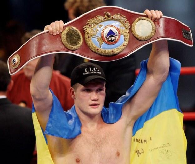 Ukraiński bokser Ołeksandr Dimitrenko otrzymał niemieckie obywatelstwo /AFP