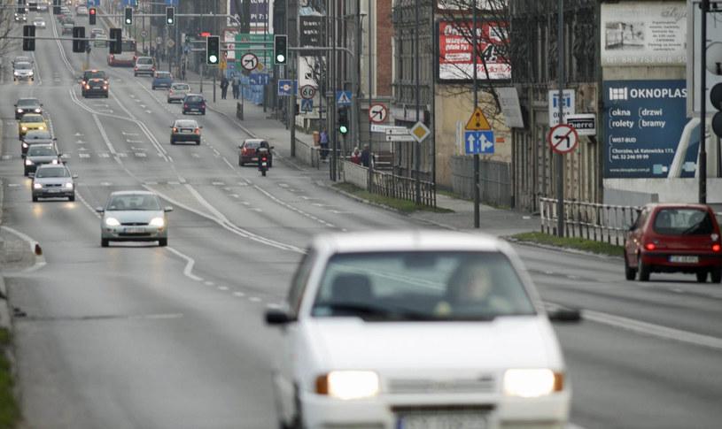 Ulica Katowicka w Chorzowie - fragment drogi nr 79 /Adrian Ślazok /Reporter