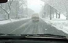 Ulice Krakowa znów pokrył śnieg /RMF