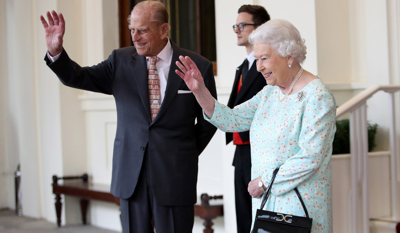 Ulubionym akcesorium królowej Elżbiety II jest nieodłączna torebka. /East News