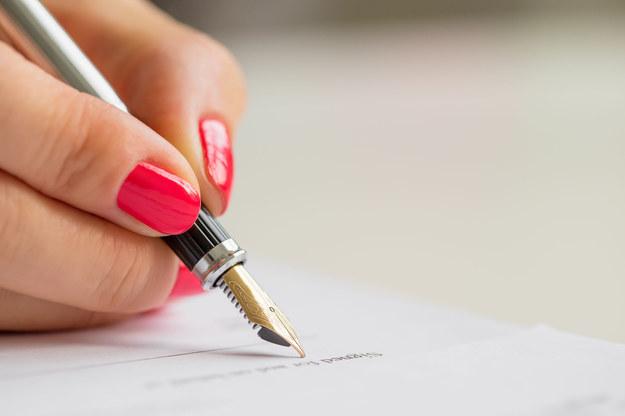 Umowy o dzieło też zostaną oskładkowane? /123RF/PICSEL