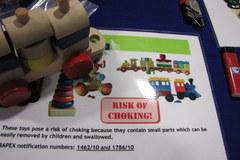 Unijny rynek zalewają niebezpieczne zabawki i ubrania