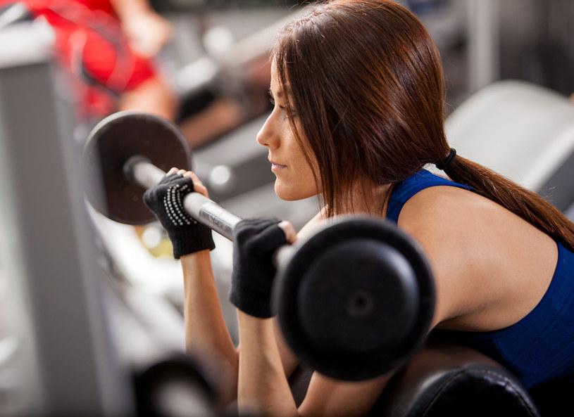 Unikasz aktywności fizycznej podczas menstruacji? Niepotrzebnie! /123RF/PICSEL