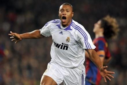 Uradowany Julio Baptista. Barca-Real 0:1 /AFP