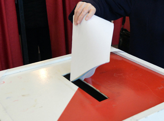 Urna wyborcza, fot. Janek Skarżyński /AFP