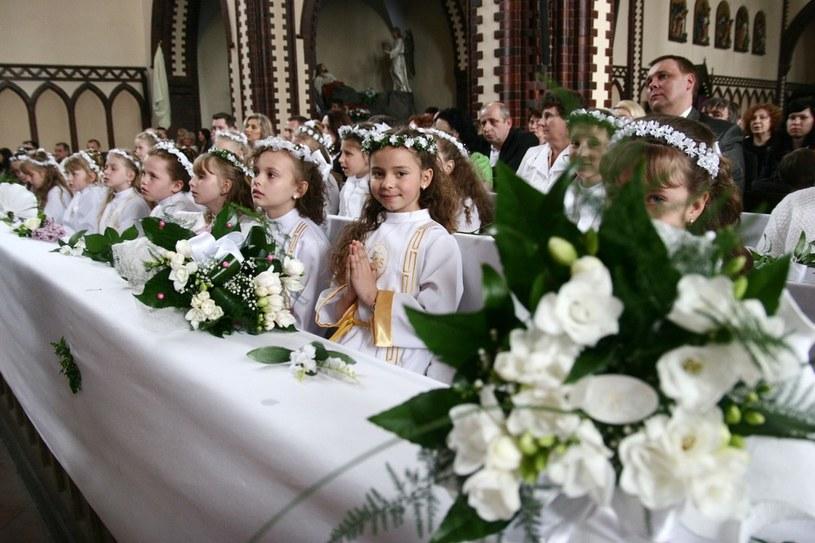 Uroczystość Pierwszej Komunii Świętej /Adrian Ślazok /Reporter