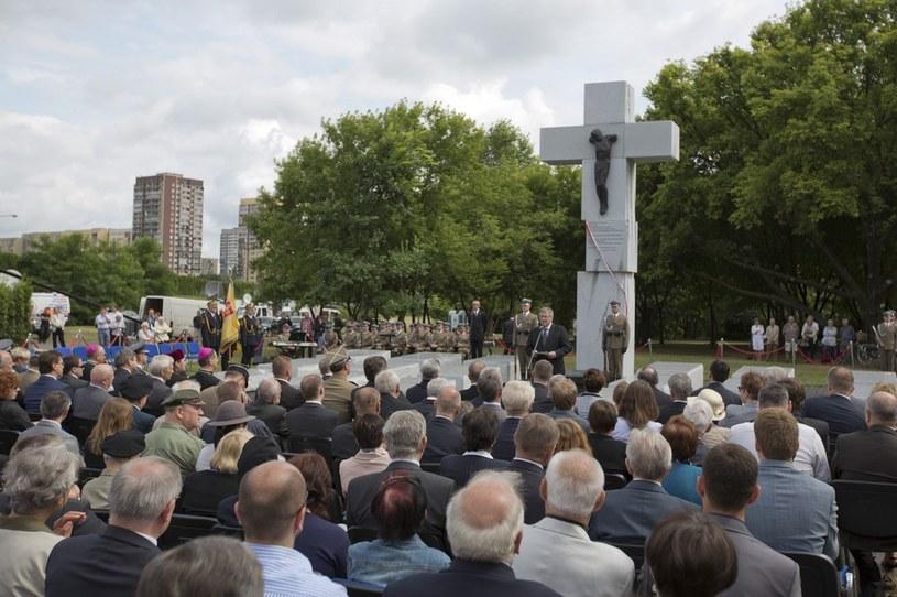 Uroczystości upamiętniające ofiary zbrodni wołyńskiej /Andrzej Hulimka  /Reporter