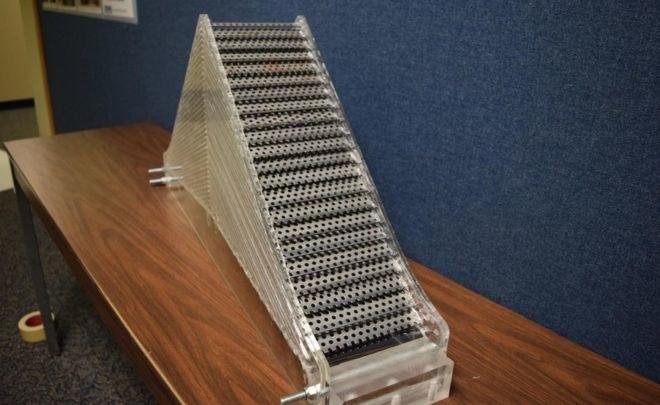 Urządzenie zapewniające niewidzialność dla sonaru wygląda niepozornie /Fot. Peter Kerrian /materiały prasowe