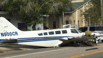 "USA: Samolot ""zmiótł"" dwa samochody"