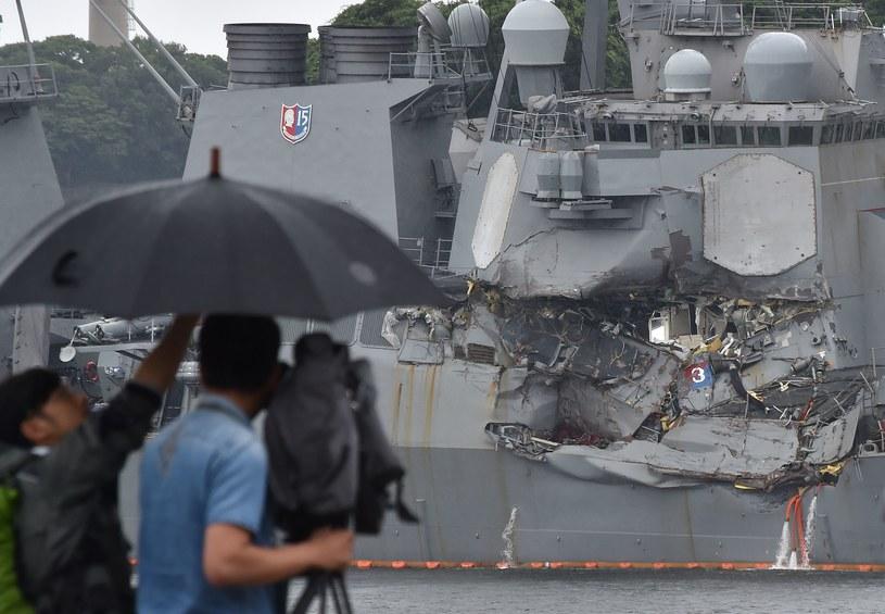 USS Fitzgerald po zderzeniu z kontenerowcem nabrał wody /AFP