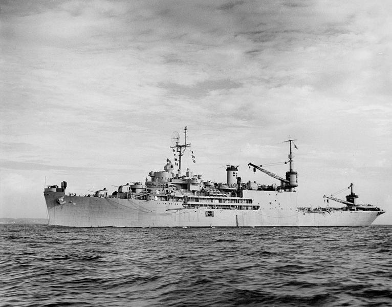 USS Pine Island. Tender łodzi latających tuż przed wypłynięciem na Biegun Południowy /materiały prasowe