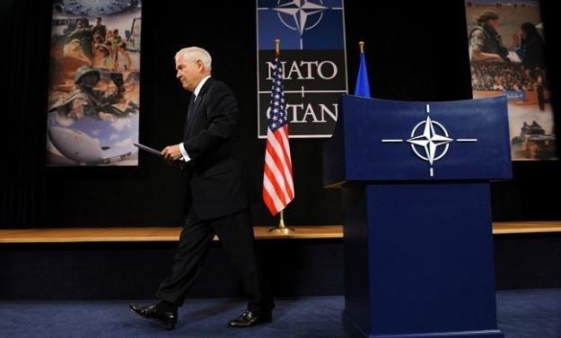 Ustępujący sekretarz obrony USA, Robert Gates, nie ma o NATO najepszego zdania. Nie on jeden.../AFP /New York Times/©The International Herald Tribune