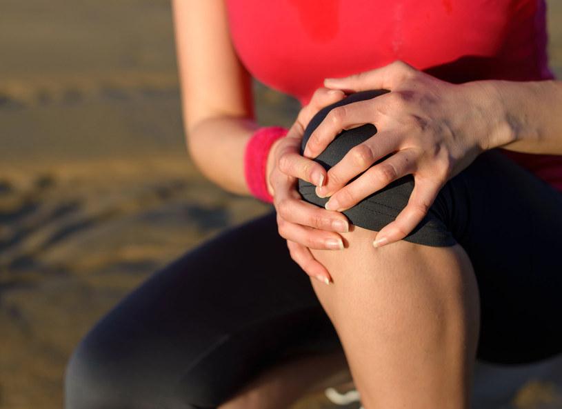 Uszkodzenie łękotki nie musi się kończyć operacją /123RF/PICSEL