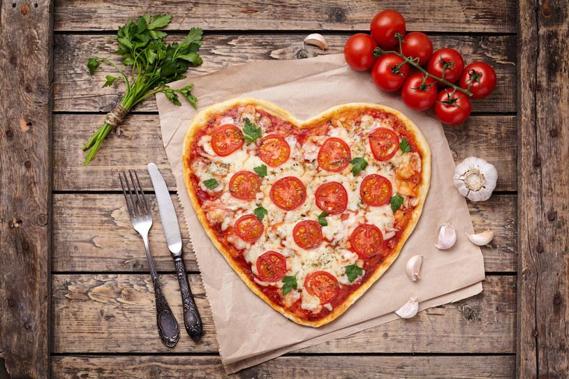 Uwielbiasz pizzę? To ją jedz, byle nie za często! /123RF/PICSEL