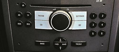 Uzyskanie kodu do radioodtwarzaczy w Oplach nie nastręcza problemu... /Motor