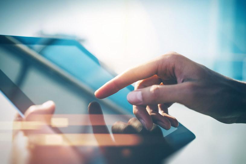 Użytkownicy coraz mniej interesują się tabletami /©123RF/PICSEL
