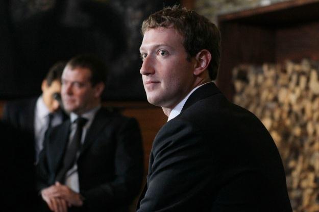 Użytkownicy jeszcze bardziej zaangażują się w rozwój Facebooka? /AFP