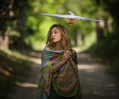 """Valeria Bruni Tedeschi w scenie z filmu """"Zwariować ze szczęścia"""""""