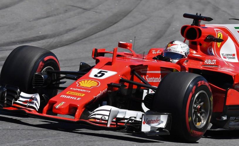 Vettel jest o włos od tytułu wicemistrzowskiego /AFP