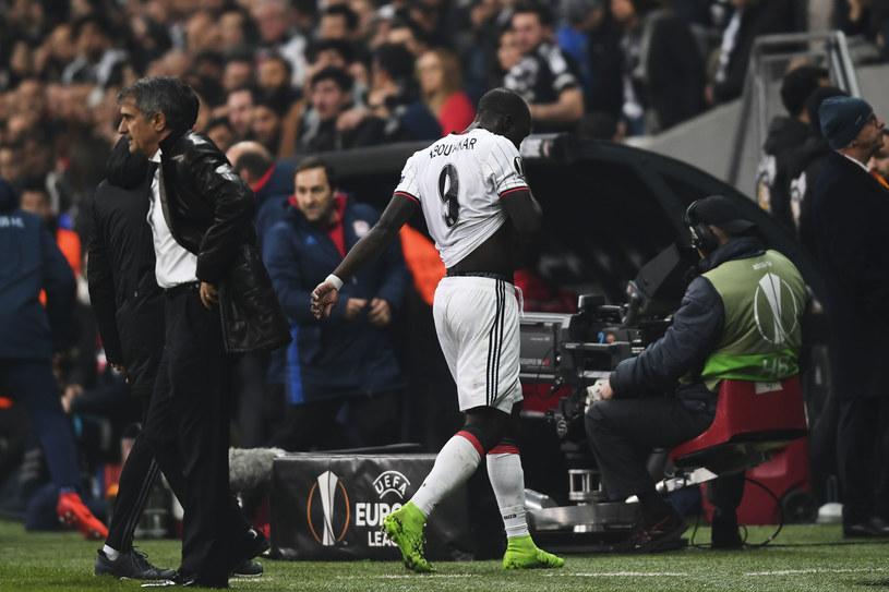 Vincent Aboubakar strzelił gola, a później wyleciał z boiska za głupi faul /AFP