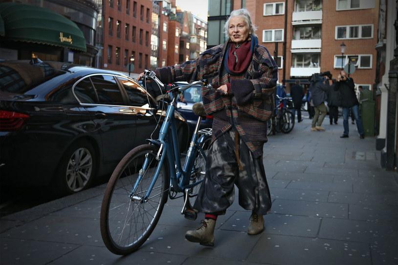 Vivienne w mieście uznaje tylko jeden środek transportu - rower /Getty Images