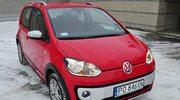Volkswagen cross up! 1.0 75 KM. Czerwona mrówka na białym śniegu