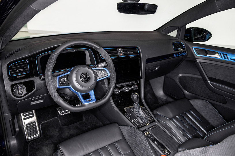 Volkswagen Golf GTI Decade Edition /