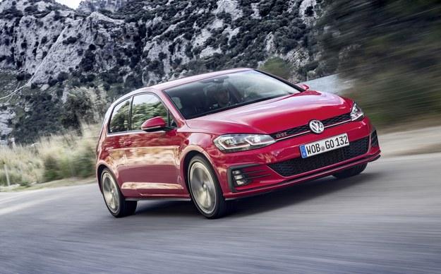 Volkswagen Golf GTI Performance /Volkswagen