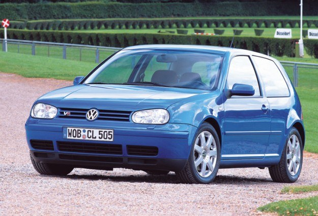 Volkswagen Golf /