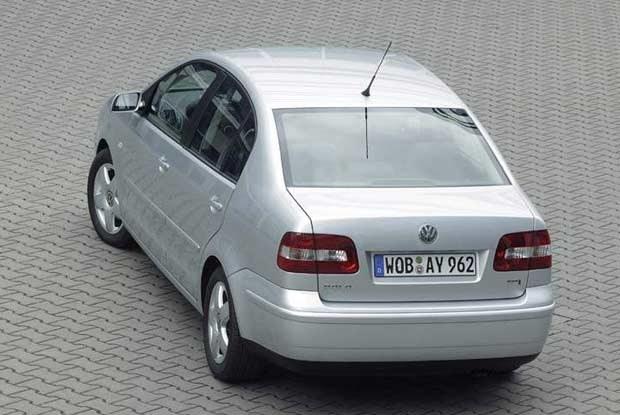 Volkswagen polo saloon / kliknij /INTERIA.PL
