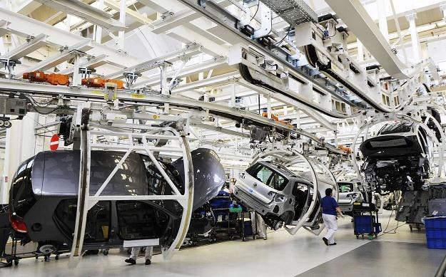 Volkswagen umocnił się na pozycji największego europejskiego producenta samochodów /AFP
