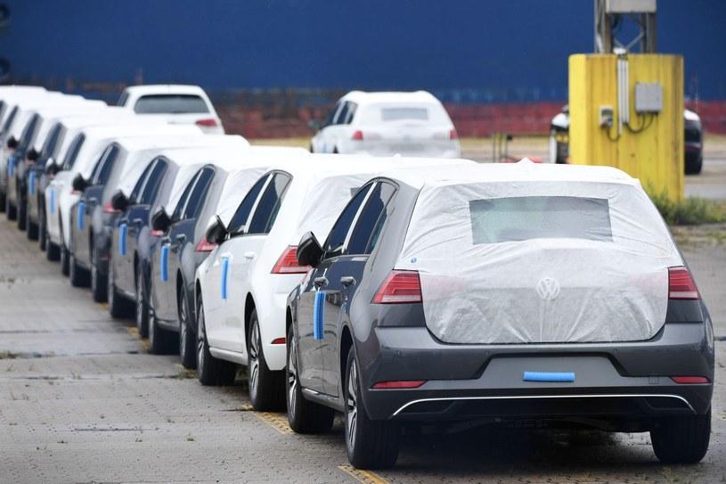Volkswagen znów musi się tłumaczyć /AFP